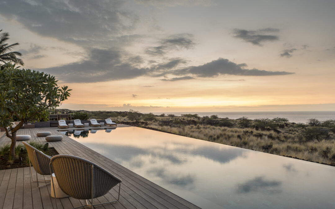 Bathe in Privacy and Blend in on the Edge of an Extreme Hawaiian Landscape